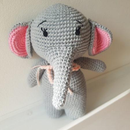 kuscheltier - 20200411 165614 e1586619806195 scaled 450x450 - Gehäkeltes Kuscheltier Elefant Emma