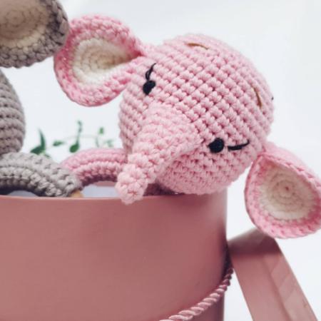 babyrassel - Download 450x450 - Gehäkelte Babyrassel Rosi Elefant
